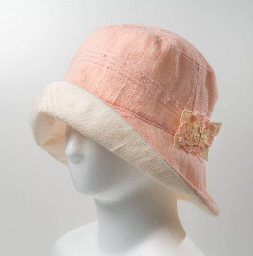 リバ-シブル帽子(サーモン×オフホワイト)